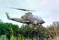 * Helicóptero AH-1Cobra *