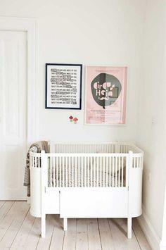 Simpele babykamer en samen op een kamer slapen
