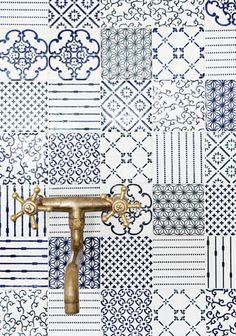Blue patterned #tile #backsplash. Kika Reichert | inspirations | Page 50
