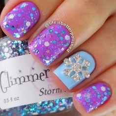 Storm Of Storms Handmade custom nail polish - nail designs Christmas Nail Polish, Christmas Nail Designs, Holiday Nails, Cute Nails, Pretty Nails, Art 33, Snowflake Nail Art, Snowflake Designs, Acrylic Nail Art