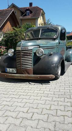 Vintage Pickup Trucks, Chevy Pickup Trucks, Antique Trucks, Classic Chevy Trucks, Chevy Pickups, Jeep Truck, Chevrolet Trucks, Gmc Trucks, Antique Cars