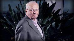 Directeur DSW doneert jaarsalaris aan Voedselbank - AD.nl Suit Jacket, Fictional Characters, Jacket, Fantasy Characters, Suit Jackets