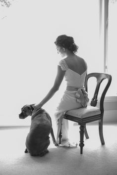 Love the picture with the dog and the pearls