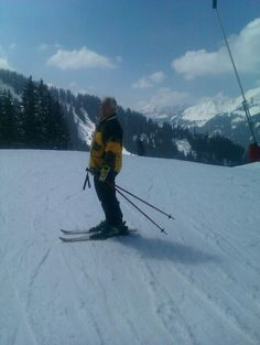 My awesome silly dad on little skis!!:) missing you