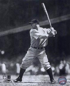 Lou Gehrig batting in a game. Photo Print x Baseball Star, New York Yankees Baseball, Nationals Baseball, Ny Yankees, Sports Baseball, Baseball Players, Baseball League, Sports Pics, Cardinals Baseball