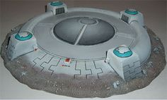 Tau landing platform Warhammer Terrain, 40k Terrain, Game Terrain, Wargaming Terrain, Tau Warhammer, Warhammer Figures, Tau Army, Tau Empire, Star Wars Models