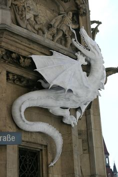 Dragon on the side of City Hall in Munich, Germany. (Photo from CREEPY THINGS)