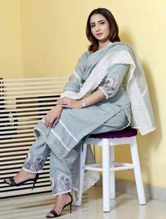 New Designer Dresses, Indian Designer Suits, Punjabi Suits Designer Boutique, Stylish Dress Designs, Designs For Dresses, Embroidery Suits Design, Embroidery Fashion, Kurta Neck Design, Kurta Designs Women
