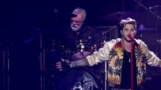 Queen + Adam Lambert   Who Wants To Live Forever   Live at The Isle of W...