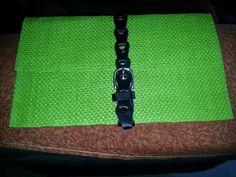 Cartera verde y negra