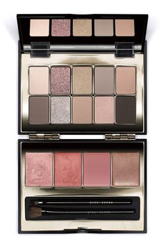 This Bobbi Brown Lip & Eye Palette is a holiday will help create the perfect look for any occasion.