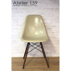 eames herman miller dsw side chairs in ochres and navy blue side chair navy blue and navy. Black Bedroom Furniture Sets. Home Design Ideas