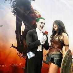 It is harder and harder to show your wonder feelings to Wonder Woman (cause B-man getting more and more jealous) #ComicconRussia #Igromir #igromir2017 #wonderwoman #wonderwomancosplay #batman #batmancosplay #joker #jaredletojoker #jokercosplay #Jokerwise #PennyWise kinda #PennyWisecosplay #balloon #justiceleague #cosplay #russiancosplay #комиккон #комиккон2017 #игромир #игромир2017 #чудоженщина #бетмен #джокер #пеннивайз #оно #лигасправедливости #косплей #русскийкосплей #косплейкурильщика
