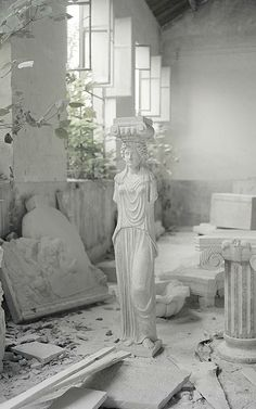 Photographer Chiara Goia visits Dongcheng, a sculptor's village in China that specializes in carving replicas of famous statues by Michelangelo, da Vinci, Rodin, and more. Arte Dope, Carpeaux, Annabeth Chase, The Secret History, White Aesthetic, Aesthetic Plants, Aesthetic Art, House On A Hill, Sculpture Art