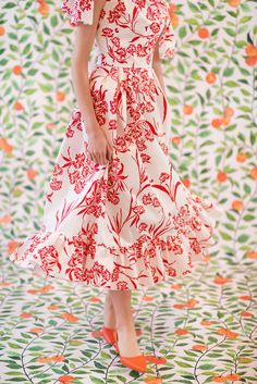 54ed7a21a1 Carolina Herrera New York Resort 2019 Asymmetric Floral-Print Cotton Dress  w  Knot Detail