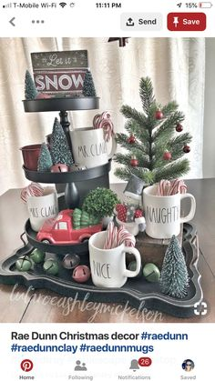 Looking for for images for farmhouse christmas decor? Browse around this site for unique farmhouse christmas decor pictures. This unique farmhouse christmas decor ideas will look completely excellent. Noel Christmas, Winter Christmas, All Things Christmas, Vintage Christmas, Christmas Ideas, Christmas Coffee, Homemade Christmas, Christmas Candy Bar, Christmas Vignette