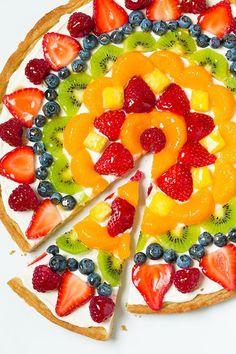Fruit pizza, easy fruit tart recipe, fruit tart recipes, sugar cookie f Fruit Pizza Cups, Fruit Pizza Frosting, Mini Fruit Pizzas, Fruit Tarts, Easy Fruit Tart, Easy Fruit Pizza, Pizza Food, Dessert Pizza, Cookie Vegan