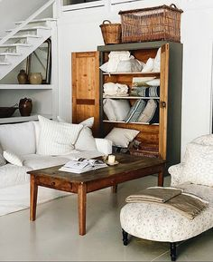 Elsie Green (@elsie_green) • Instagram photos and videos Cool Tables, Hygge, Entryway Bench, Modern Farmhouse, Interior, Inspiration, Furniture, Design, Home Decor