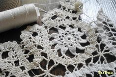 Bruges crochet lace - an imitation of bobbin tape lace or the mixed lace called Battenberg Hairpin Lace Crochet, Crochet Shrug Pattern, Thread Crochet, Crochet Motif, Crochet Designs, Crochet Doilies, Lace Patterns, Crochet Patterns, Bruges Lace