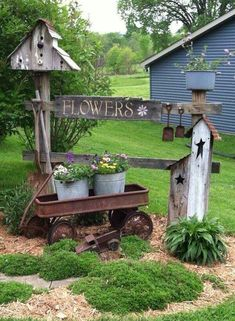 50 Rustic Backyard Garden Decorations 22 - All For Garden Rustic Garden Decor, Rustic Backyard, Rustic Gardens, Outdoor Gardens, Country Garden Decorations, Backyard Decorations, Outdoor Planters, Garden Yard Ideas, Garden Art