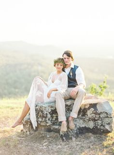 Boho elopement inspiration: http://www.stylemepretty.com/2015/03/08/mountain-top-elopement-shoot-featuring-becca-from-the-bachelor/ | Photography: Brandi Smyth - http://www.brandismyth.com/