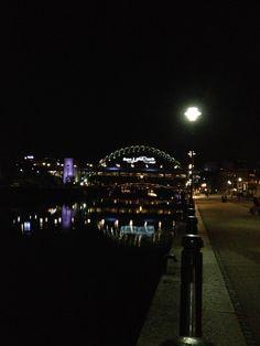 Newcastle Upon Tyne, UK.  Tyne Bridge.