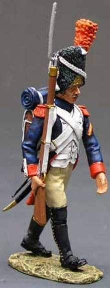 Napoleon's Grande Armee NA060 Old Guard Marching with Rifle - Made by King and Country Military Miniatures and Models. Factory made, hand assembled, painted and boxed in a padded decorative box. Excellent gift for the enthusiast.