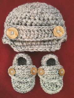 SALE Crocheted Baby boy girl Newsboy Hat and Loafer Booties set wooden buttons size newborn, 0-3 months, 3-6 months, 6-12 months adorable