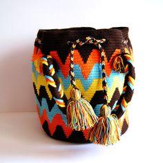 Wayuu Purse $160 http://www.caritocaro.com/wayuubags/wayuu-medium-bag-291.htmlFashion Handcrafted by Artisans Wayuu Bags