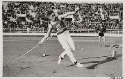 Matti Järvinen pictures | Matti Järvinen voittaa keihäänheiton Suomi-Unkari ... OS guld spjut 1932 Los Angeles.