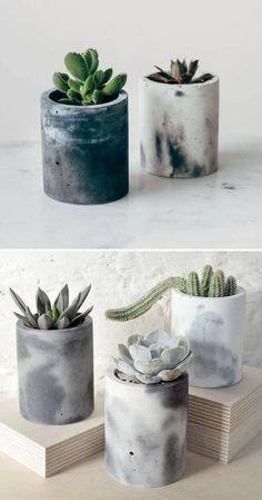 Gorgeous marbled cylinder concrete flower pots with succulents. I love these. Gorgeous marbled cylinder concrete flower pots with succulents. I love these. Concrete Plant Pots, Cement Flower Pots, Diy Concrete Planters, Concrete Pots, Diy Planters, Vase Deco, Concrete Furniture, Concrete Crafts, Deco Floral
