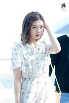 we stan: a queen Seulgi, Irene, Tv Show Outfits, Red Velvet Joy, Famous Girls, Celebs, Celebrities, Korean Girl Groups, Kpop Girls