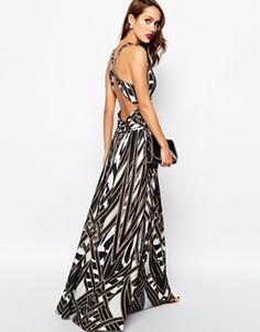 Aumentar Vestido largo con cuello escotado y estampado de Forever Unique 314€