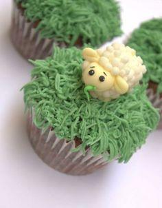 Fondant sheep - Buttercream Bakery Cupcake Toppers