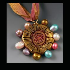 "FREE project tut - Christi Friesen's Neighborhood - ""Sassy Summertime pendant"" #polymer #polymerclay #micapowder #pearl #diy #tut #tutorial #ChristisNeighborhood #ChristiFriesen #pearls #jewelry"
