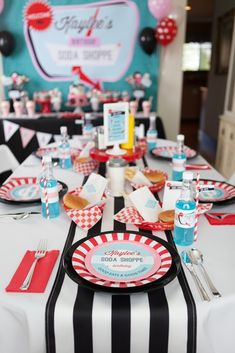 Soda Shoppe Birthday Party Dining Tablescape from a Retro Soda Shoppe Birthday Party via Kara's Party Ideas - The Place for All Things Party! Tablescape from a Retro Soda Shoppe Birthday Party via Kara's Party Ideas - The Place for All Things Party! 1950s Theme Party, Retro Birthday Parties, 50s Theme Parties, Fifties Party, Diner Party, Retro Party, Birthday Party Themes, 70th Birthday, Grease Themed Parties