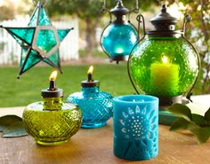 *pitter patter pitter patter* Cannot wait to have a patio and/or backyard to decorate into my personal Wonderland! ;D