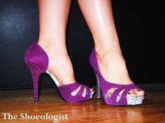 Maybe I should make a shoe pin board? Purple Heels, Purple Suede, Lila Heels, Shoes Heels, Crazy Shoes, Me Too Shoes, Sneaker Heels, Sexy High Heels, Shades Of Purple