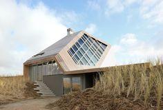 Dune House Terschelling, Netherlands, by Achterbosch-Zantman & Marc Koehler Architects.