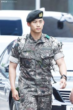 The most handsome beast.our strong soldier taecyeon ❤❤❤ Handsome Asian Men, Hot Asian Men, Handsome Boys, Korean Star, Korean Men, Korean Actors, Sexy Military Men, Hot Army Men, Special Forces