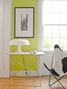 Chartreuse is halfway between yellow and green. it's beautiful and fresh color. Via eclectic revisited Via apartment therapy . Home Design, Fresco, Chartreuse Color, Color Pairing, Interior Decorating, Interior Design, Decorating Ideas, Green Rooms, Living Room Grey