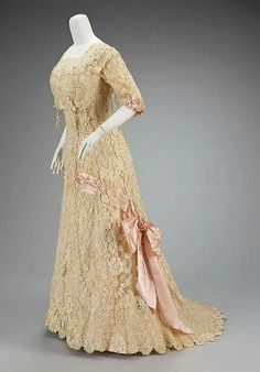 French afternoon dress circa 1908-10