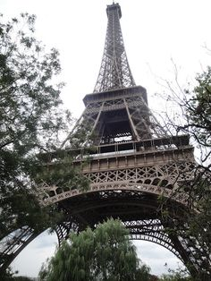 Im in love with paris!!!! I need to go!!!! Gonna save money to go !!