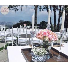 J L  #weddingdecoration #boda #decoracion #vintage #love #amor #photooftheday #flores #flowers #crafts #decolores #caracas #novia #bride #wishtree #picoftheday #venezuela #instabride  #hechoamano #creativo #instalove #instagood #instamood #centrosdemesa #centerpieces #sign #chalkboard #pizarra #message #Padgram