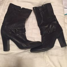 CALVIN KLEIN Black boots. Good condition AUTHENTIC Calvin Klein Boots. Only minor damages were tiny mark on the inside of the heel and a mini spot on the front of the right shoe. Completely unnoticeable. Willing to negotiate ! Calvin Klein Shoes Ankle Boots & Booties
