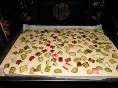Rhabarber - Buttermilchkuchen, ein sehr schönes Rezept aus der Kategorie Backen. Bewertungen: 309. Durchschnitt: Ø 4,4.
