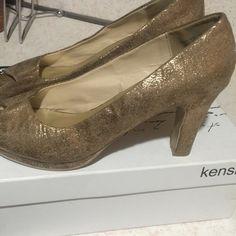 Lane Bryant Gold peep toe 🎉size 10W Lane Bryant Gold peep toe 🌹size10W Lane Bryant Shoes Heels