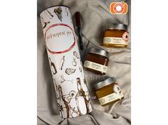 Dárkový tubus se třemi marmeládami Šafránka Voss Bottle, Water Bottle, Drinks, Drinking, Beverages, Water Bottles, Drink, Beverage