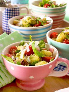Einfach und lecker: Der #Salat mit Gnocchi wird mit #Pesto zubereitet und passt perfekt zum #Grillen