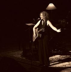 See Carole King pictures, photo shoots, and listen online to the latest music. King Picture, King Photo, 50th Birthday Presents, Carole King, Concert Tickets, Room Tour, Latest Music, Author